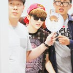 This is not from today https://t.co/AtxRoPzWIa Its from 140615, as you can see from the outfits on Luhan & managers http://t.co/zLLSl32ySc