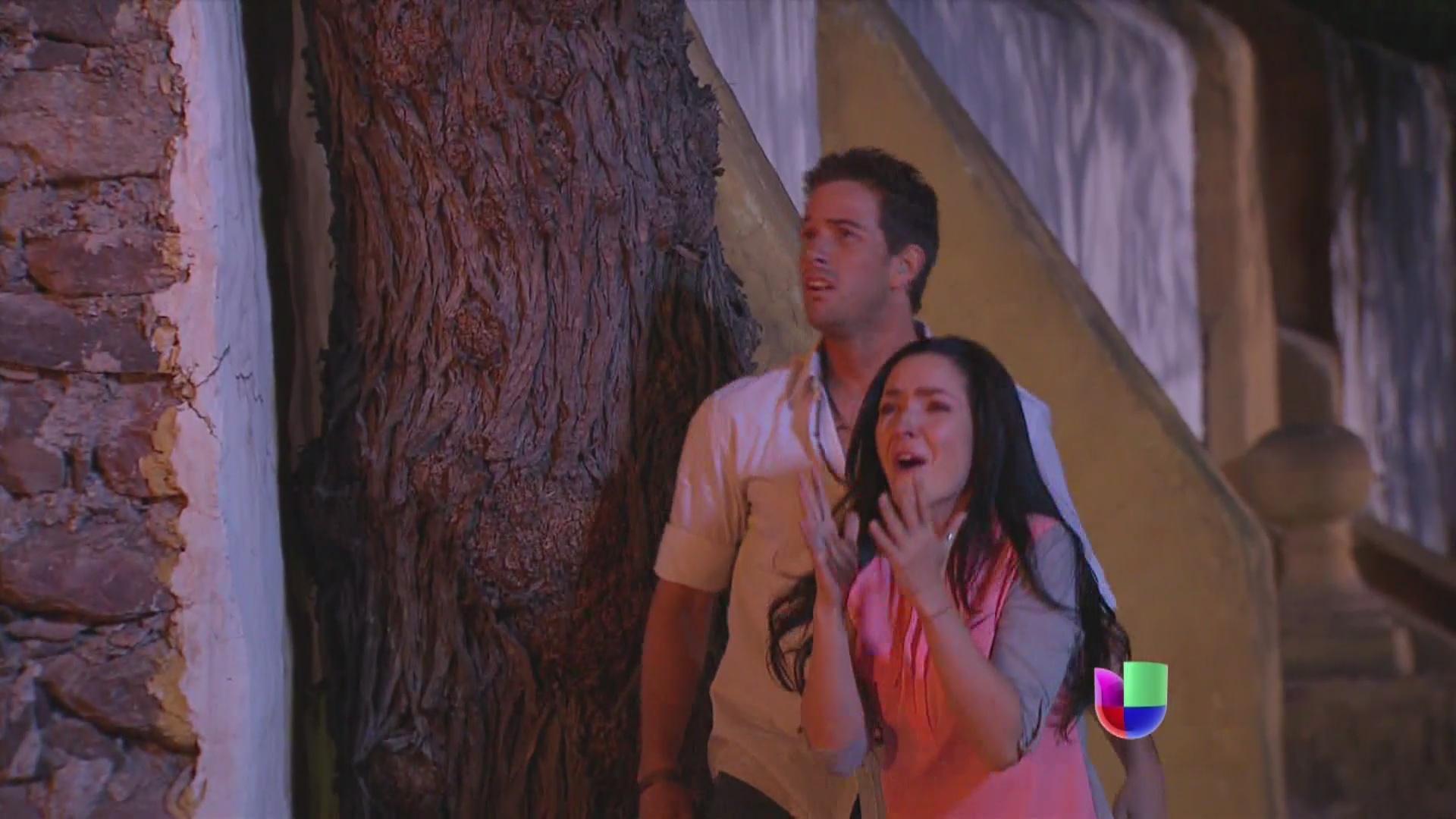 No!!! ¡las bodegas de algodón se queman! ¡una gran tragedia para Acacia! #Malquerida http://t.co/lNq0EvRuTb