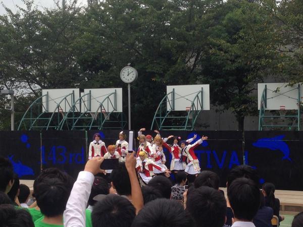 開成の文化祭のステージなう( ´ ▽ ` )ノ 男子校恐るべしσ(︶〜︶;) http://t.co/0YcTo9YJrb