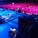 RT @RonPopeMusic: Oh my God John Mayer. Am I side stage geeking out? Yes I am. #MM2014 @musicmidtown http://t.co/rQJJHw9Wwv