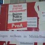 De PvdA op de markt in Middelburg: voor een Asielzoekerscentrum. http://t.co/KOHbrmSWxb