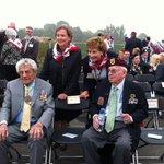 Veteranen uit 1944 Burris en Megellas en nabestaanden van generaal Gavin aanwezig bij herdenking Waalcrossing. http://t.co/e7Gye4mdM5