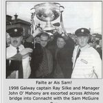 Ray Silke and John OMahony bring Sam Maguire Cup to Connacht after #Galway win 1998 All Ireland SFC #gaa #nostalgia http://t.co/UkTKOpI7DX