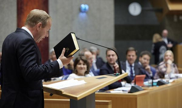 RD.nl (@refdag): Getuigen 2.0. #SGP getuigt niet minder, wel anders dan vroeger http://t.co/pSH7CQMq4k http://t.co/h4BvfAGojH