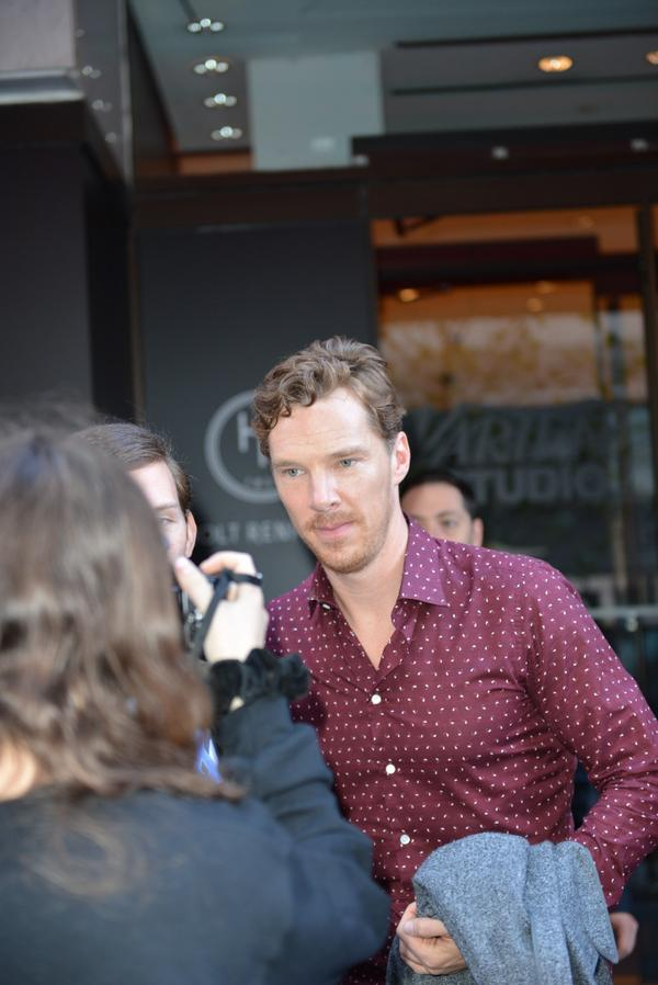 #BenedictCumberbatch poses for fans outside of @HoltsBloor @Variety Studio. #TIFF14 #VarietyAtHolts http://t.co/qb36HASOWg