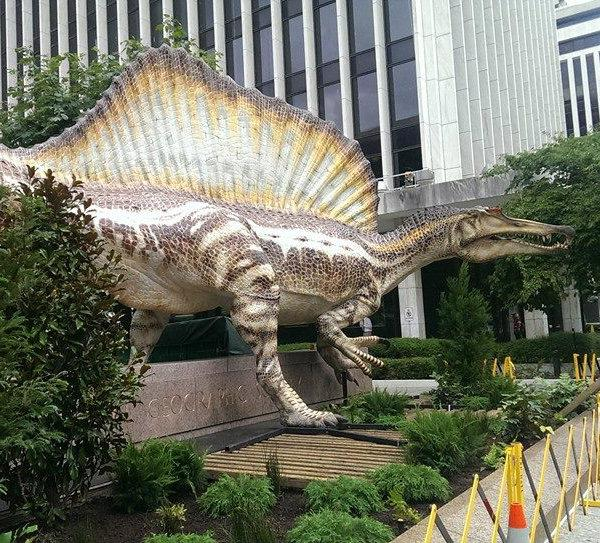 Check out who showed up on the @NatGeo campus this morning! Spinosaurus makes his #NatGeo debut #SpinoDino http://t.co/5vWm0LK6sJ