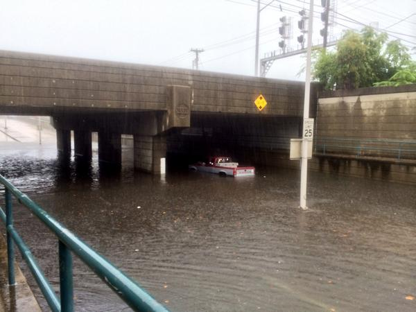 Colley Ave underpass flooded in Norfolk #hrweather #vawx http://t.co/PMSCZt4FK1
