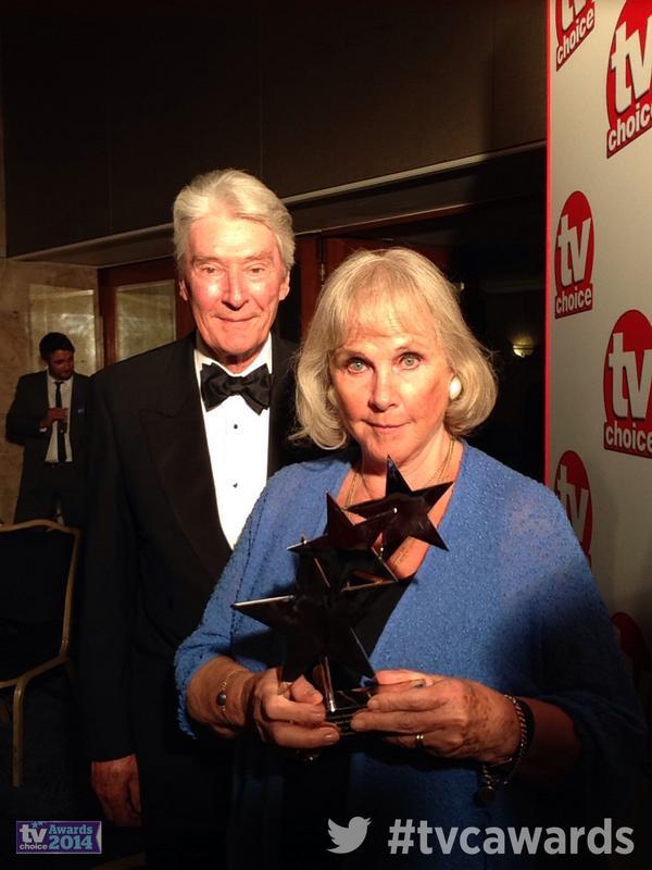 #tvcawards Benedict Cumberbatch mum & dad Wanda Ventham & Timothy Carlton collect his Best Actor #Sherlock @BBCOne http://t.co/kReOsjBbb3