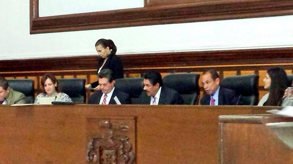 #Guadalajara prohibe los circos con animales, según lo aprobado esta tarde en sesión de @AytoGDL. @ramirohdezg http://t.co/IUW9M035ai