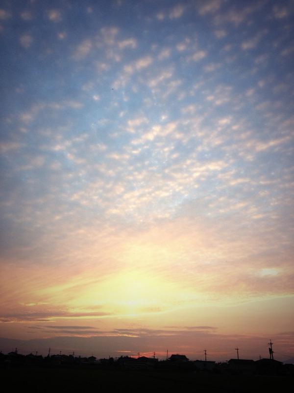 佐賀はね、この空が自慢なんだよ! http://t.co/4KQcLZslI6