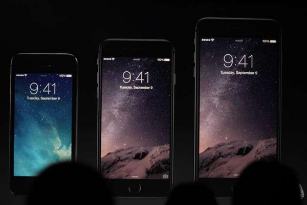 This is the moment when Apple launched the new Samsung... http://t.co/TNNQ4vQulo