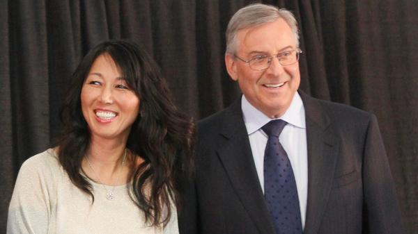 Kim and Terry Pegula will be new owners of #buffalobills. http://t.co/UQkwtjraAx http://t.co/al6lvqixAA