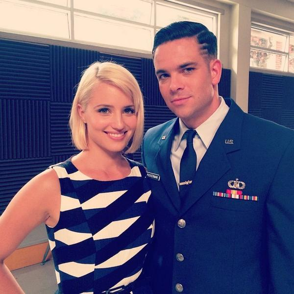 Reunited with my little ook. @diannaagron #season6 #quick #sceneshredding http://t.co/xslM8DJCxY http://t.co/RXClhiIwe9