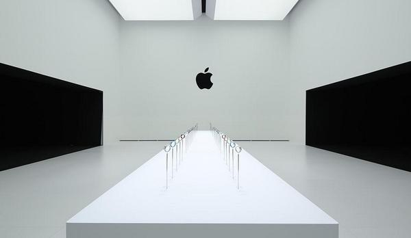 """1984? """"@ztiworoh: This is the room where press can try out the Apple Watch. It looks terrifying for some reason. http://t.co/HjF3PnYob3"""""""