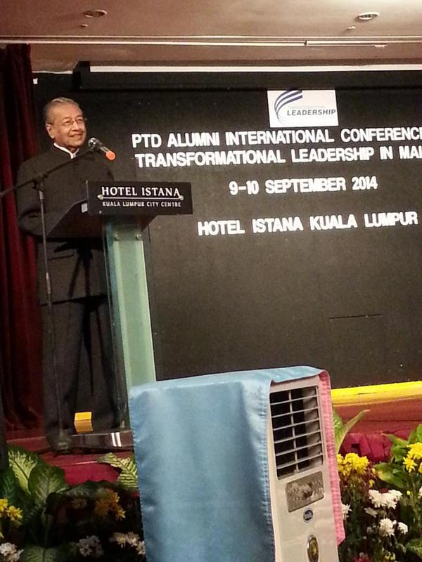 A great leader he is - Tun Mahathir Mohamad giving a talk at PTD Alumni International Conference on 10 Sept @MyMOSTI http://t.co/0ZO8QCUijI