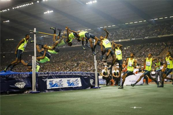 Awesome pic, via @RedBullQatar. More on @mutazbarsham's 2.43m at Brussels #DiamondLeague in latest AW! http://t.co/wCxfLWloJD