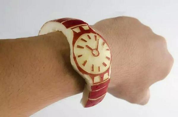 Hahaha @LoesDee: Apple watch ;-) http://t.co/IkFRlkNgdL