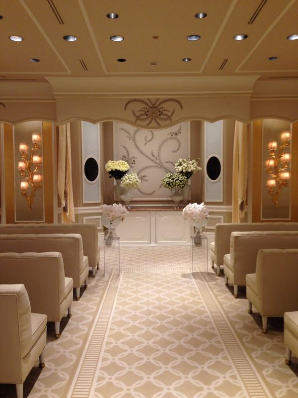 It's always wedding season in #Vegas. Here's a look at the newly redesigned @WynnLasVegas Wedding Salons. http://t.co/up8rvaPLbu