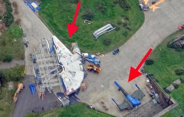 Il survole le site de tournage du prochain «Star Wars» et photographie le Faucon Millenium  http://t.co/YU5lZojE8c http://t.co/YO5ONh0Uvz