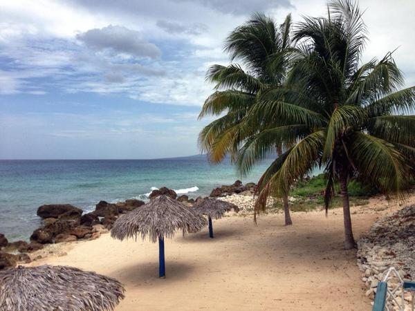 RT @CubanitoenCuba: Les recomiendo visitar la playa Ancon, muy cerca de #Trinidad #Cuba. #TurismoCuba http://t.co/UzCMKsSVRx