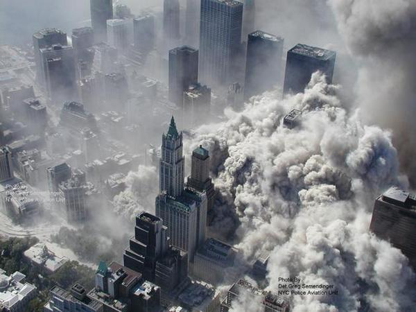 9/11 Remembered: The 25 most powerful photos: http://t.co/omtnEK5eDt #911anniversary http://t.co/XFy54jc8pg