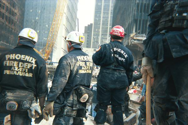 Phoenix firefighters with AZ-TF1 working at Ground Zero in New York in September 2001. #wewillalwaysremember http://t.co/3wEx6AgB2F