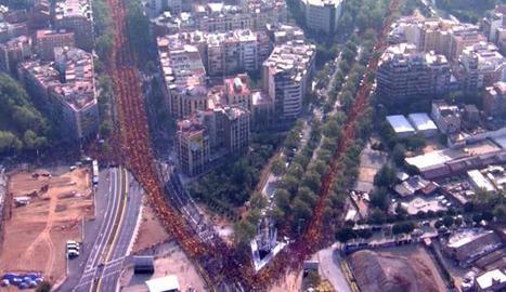 Una imatge global molt bona de la V aquesta tarda a Barcelona. (Foto @AgenciaEfe75) #vrac1 http://t.co/dsmjnRuJyY
