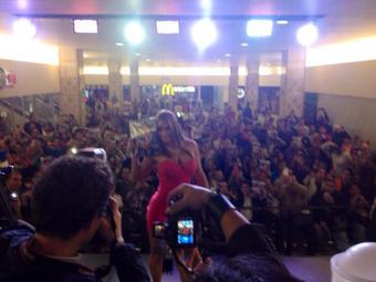 RT @PlayboyMX: Así nuestra tarde, @esperanzaxxx conquistando México con #PlayboyMx http://t.co/HcBKN