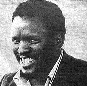 In everything happening today,please take a moment+pay tribute to Steve Biko,who died today in 1977 in police custody http://t.co/KgPiZpVFwA