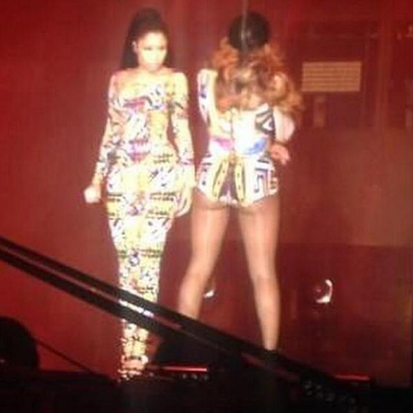 Beyoncé & Nicki Minaj performed Flawless remix Live on stage in #Paris #OnTheRun http://t.co/iXAlKlFJG5