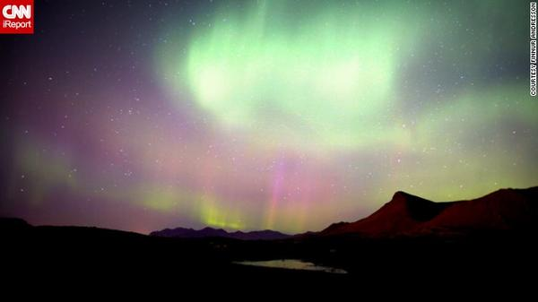 #NorthernLights are possible tonight, as far south as Seattle, Chicago, NYC. Share photos: http://t.co/Cgdor8zxAU http://t.co/UhmnupER20