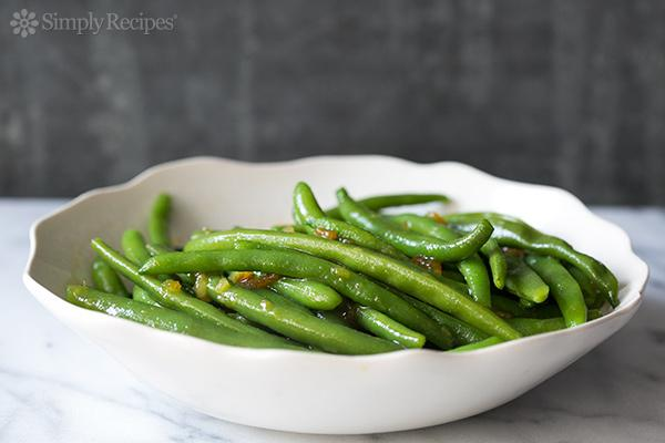 Spicy orange glazed green beans with orange marmalade and sriracha. So easy! {new recipe} http://t.co/AhqT10EDXb http://t.co/CyHdLnzDwT