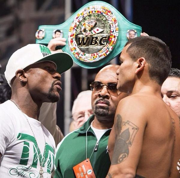#FaceOff for #Mayhem @FloydMayweather vs. @ChinoMaidana  at the weigh-in http://t.co/aI0sU3aseB