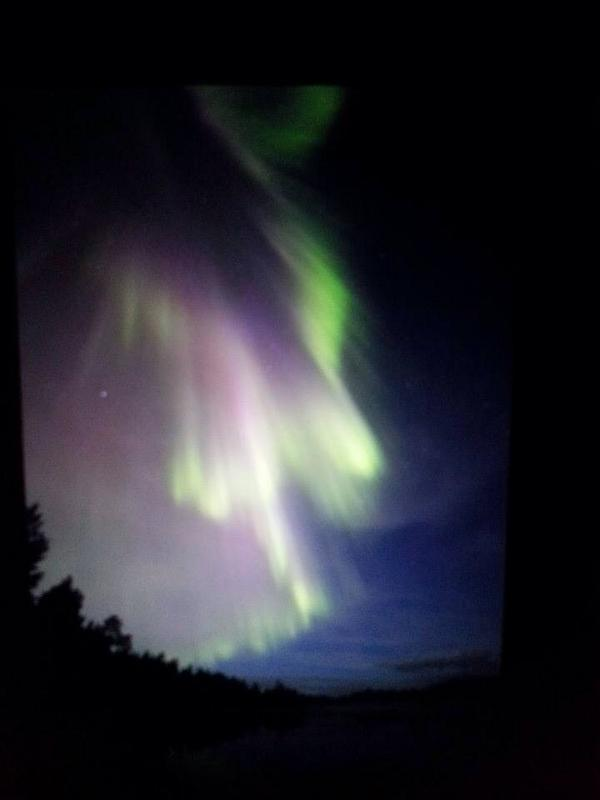 Aurora up in Nellim, Finland at the moment. Wonder whether we will see it in the UK.... http://t.co/xU9Ol8QIqg