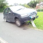 RT @nobbyneat: @telfordlive @Dawley2012 extreme #crapparking http://t.co/EFALpWAPlH