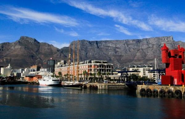 """Cape Town top of the list on New York Times """"52 Places to Go in 2014"""" -http://t.co/hKZkmInUSo  Photo by Chris Marais http://t.co/n6FdS7lrBY"""