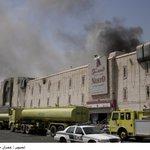 إصابة 5 أشخاص في حريق في مجمع تجاري بالدمام http://t.co/SvFV6u0ZBh http://t.co/y13wEyTTjc