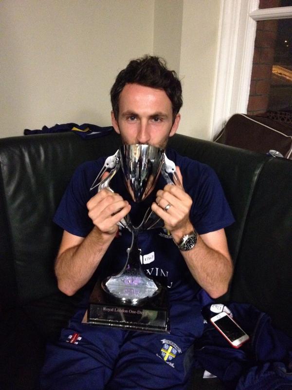 John Terry award #champions http://t.co/R7RaJ3RXVa