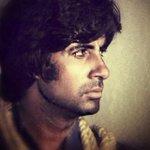 RT @CokyCrazyByAB: @SrBachchan #Deewaar http://t.co/LqVbXtjDJa