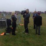 Veel (inter)nationale pers vandaag #Airborne herdenking #Ede straks in Jeugdjournaal en Hart van Nederland http://t.co/zH0Iur91oI