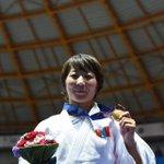 МУГТ, Дэлхийн Аварга М.Уранцэцэг маань Азийн Наадмын алтыг өвөртөлсөн мөч!!! http://t.co/6B4Gk1hXJV