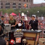 RT @Natalie_Pierre: Lee Corso brings Jimbo Fishers son Ethan on stage and the pair of #Noles pick the #Noles to beat Clemson tonight. http://t.co/VWwOEwMWV2
