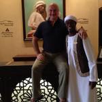 I act TALL. With Amjad, the doorman of Hotel Qasr Al Sarab, Abu Dhabi.:) http://t.co/aWxLkvdjW7