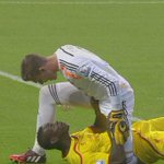 INCIDENT: Heres a close up view of the coming together between Balotelli and Adrian http://t.co/FlSiOek1cz #SNF http://t.co/4epPUcX30Q