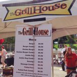 RT @100milemark: Halftime hungry? Check out @HospitalityUofG #grillhouse menu! @GryphonStatue @guelph_gryphons @studentlife_uog #YUMMY http://t.co/6eiff4mT73