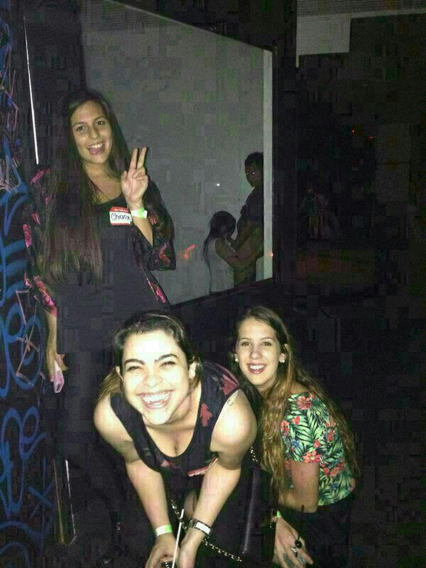 Mamá te mando una foto con las chicas de Neuquén... http://t.co/bYuoztZObu