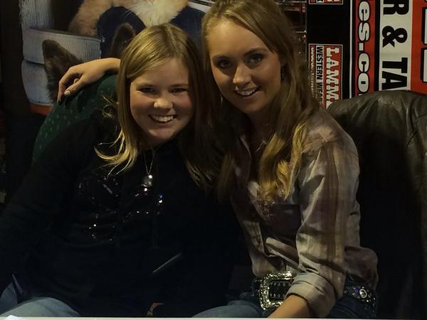 RT @HaygarthLori: Thanks @Amber_Marshall for@making little girls dreams come true!!! http://t.co/0J84cfo5ZQ