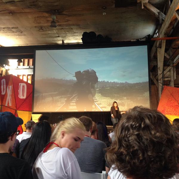 A standing ovation for @femfreq as she steps onstage at @xoxo. Appropriately. #xoxofest http://t.co/kcDeu9pa58