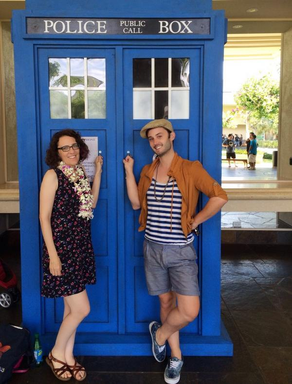 Had a FANTASTIC day @HawaiiCon w/ @GoCheeksGo & @JaneEspenson! Will we see you tomorrow? http://t.co/vfYb50ZY1M | http://t.co/R8YkOQIjEO