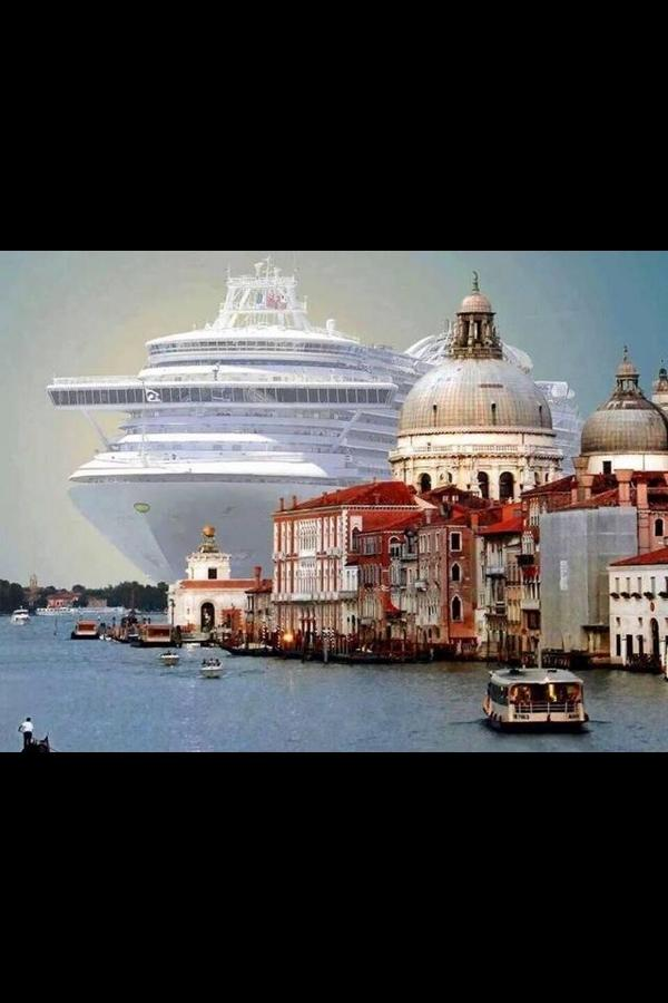 Venice - PROTEGGIAMOLA!!!  http://t.co/6yEIgL1wcs #photo via @Dayafter2012 @JohnPidd